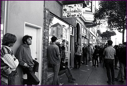 The Psychedelic Shop at 1535 Haight Street, 1966. / Photo by Ted Streshinksy, Courtesy of Kids Britannica